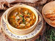 Рецепта Гъбена чорба / супа с три вида гъби - печурки, манатарки и кладница, масло и чесън